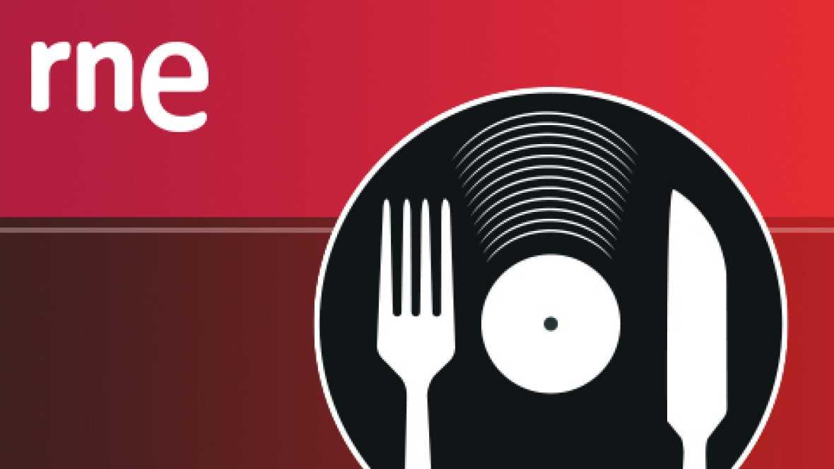 Comer y cantar - Crepes de tortilla rellenas que queso y jamón a la crema de cebolla - 18/02/12 - escuchar ahora