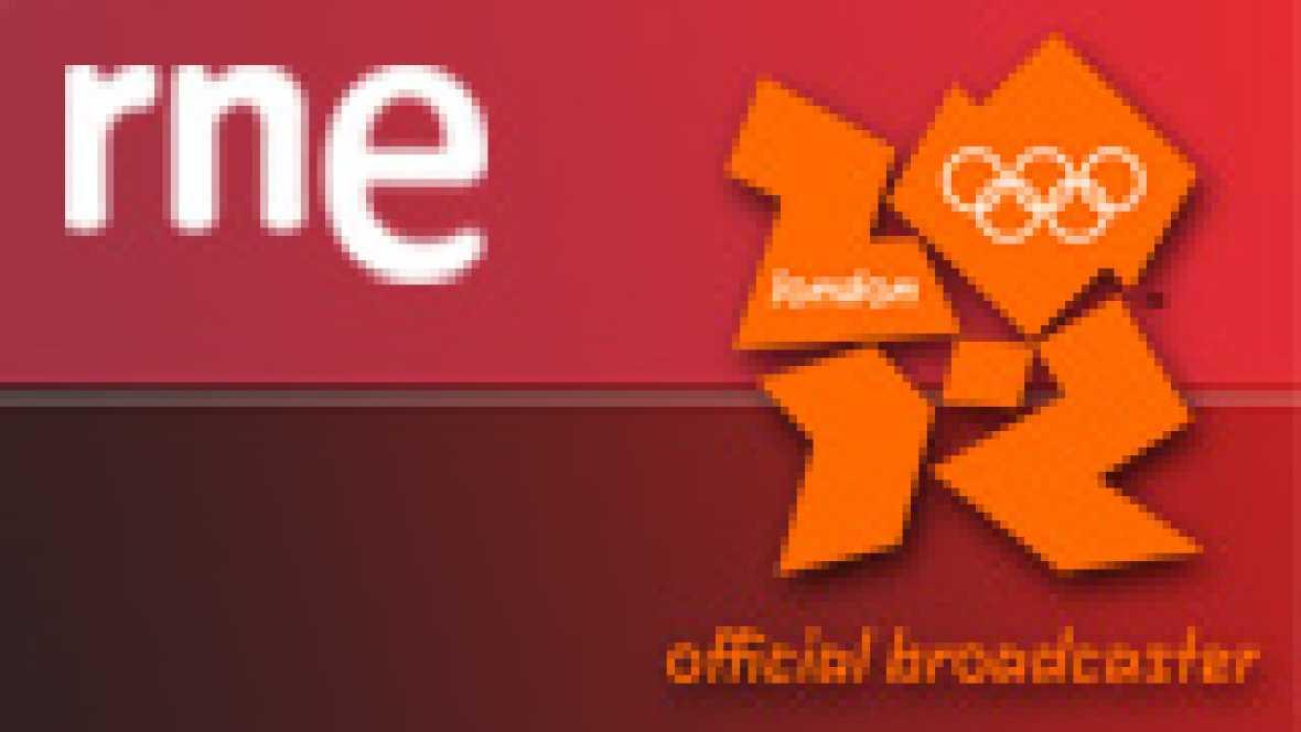 """El piragüista español David Cal muestra en Radio Nacional su alegría por la medalla de plata en la categoría C-1 1.000 metros, lograda tras una gran remontada en los últimos 250 metros. """"Sabía que tenía cambio"""", ha asegurado el deportista pontevedrés"""