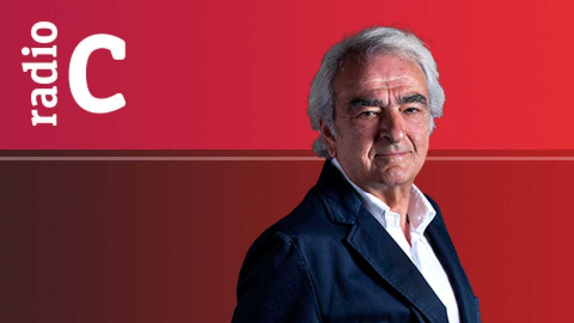 Nuestro flamenco - Protagonistas de la guitarra de hoy: Rafael Riqueni - 13/09/12 - escuchar ahora