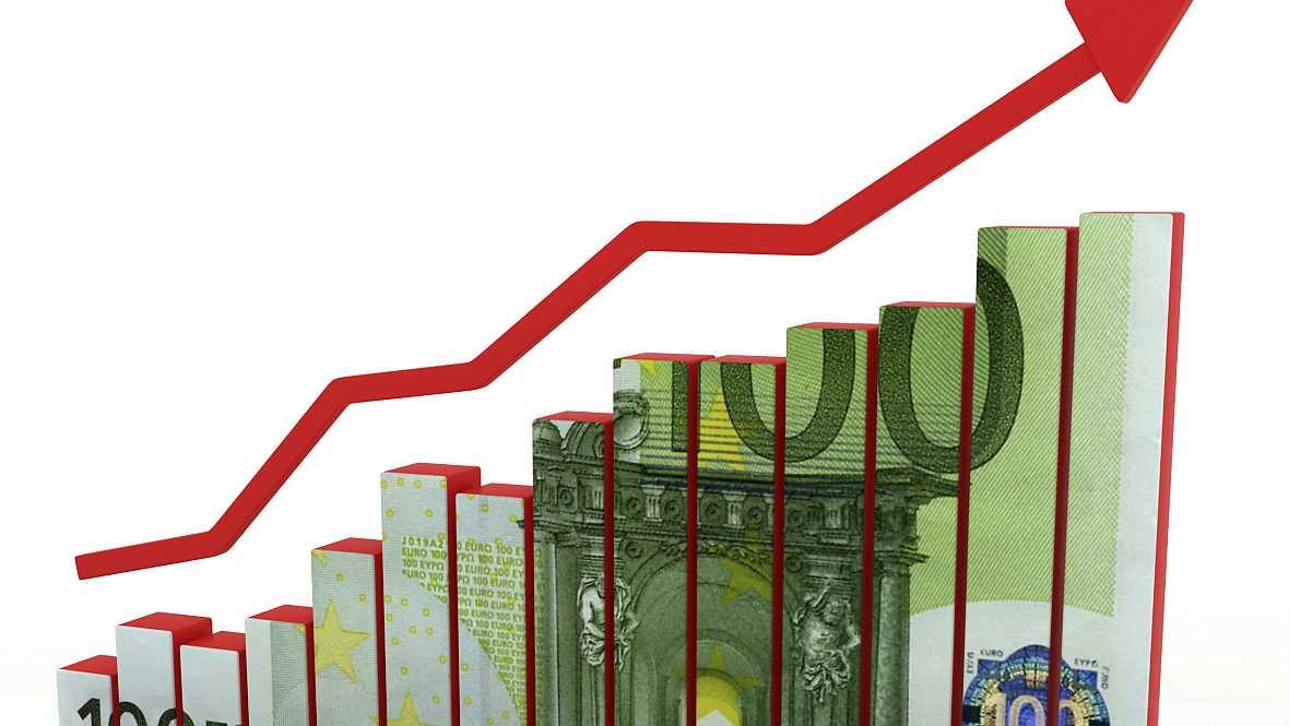 Boletines RNE - La CE rebaja las previsiones económicas para la zona euro - 04/11/14 - Escuchar ahora