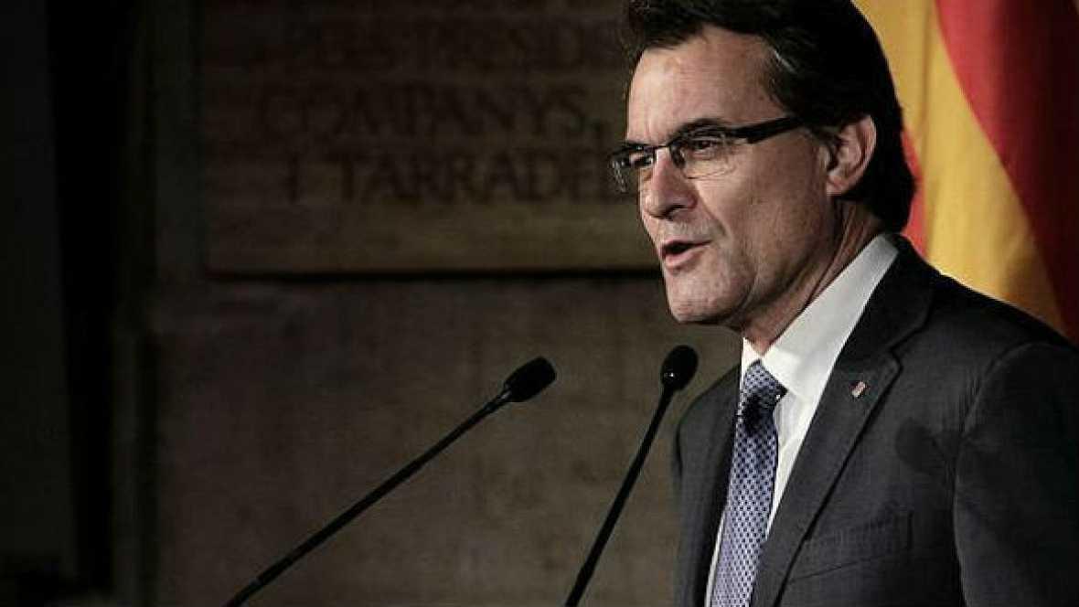 Boletines RNE - Mas reitera el derecho de Cataluña a decidir - 05/11/14 - Escuchar ahora