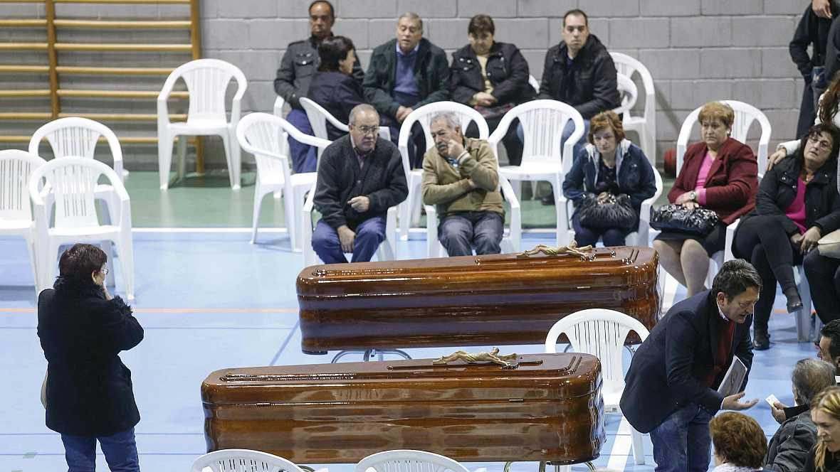 Las mañanas de RNE - Funeral en Bullas por los 14 fallecidos - Escuchar ahora