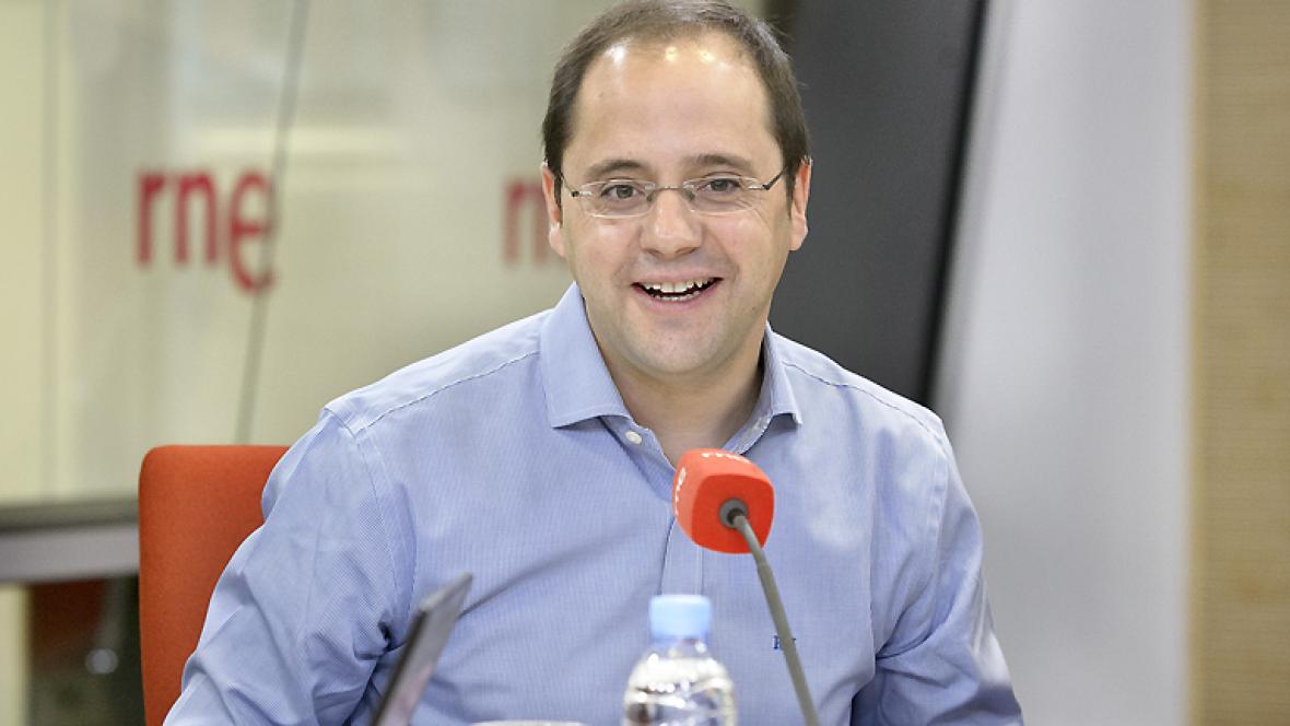 Las mañanas de RNE - César Luena cree que una querella contra Artur Mas podría dar más argumentos al independentismo - Escuchar ahora