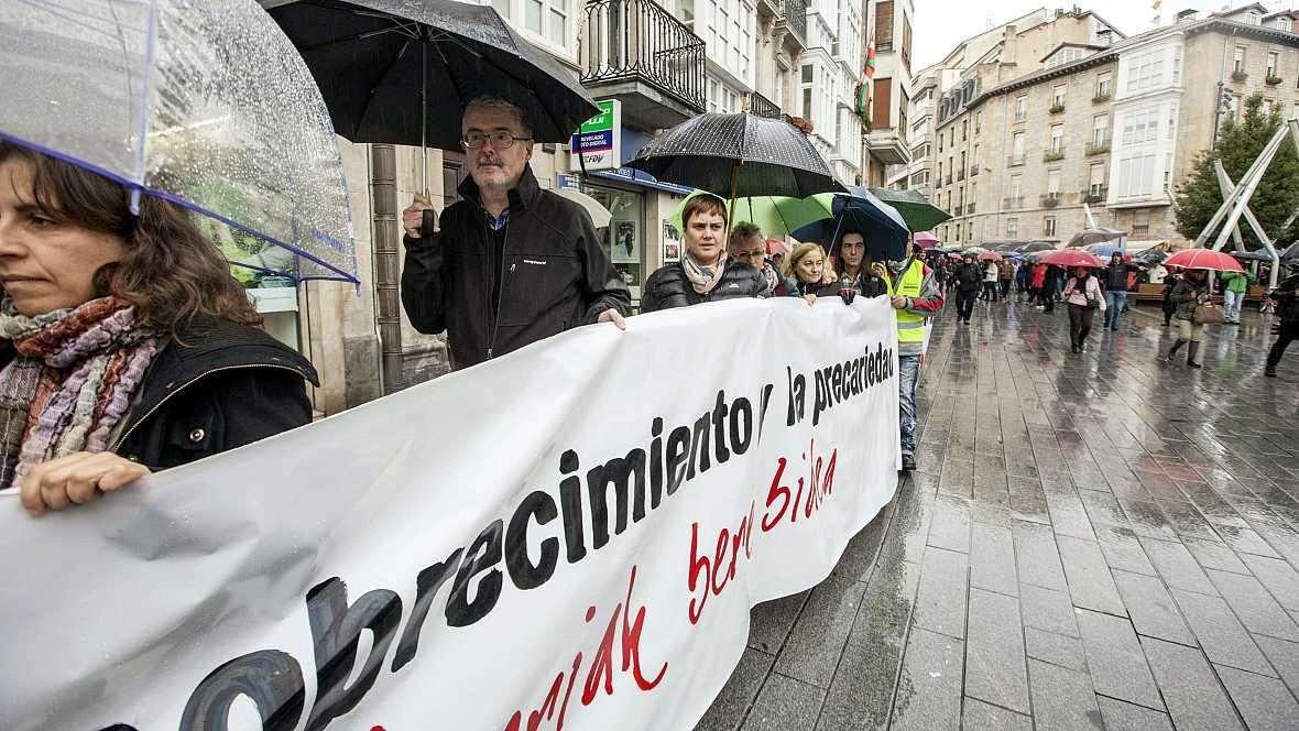 Boletines RNE - Aumentan los pobres en España - 13/11/14 - Escuchar ahora