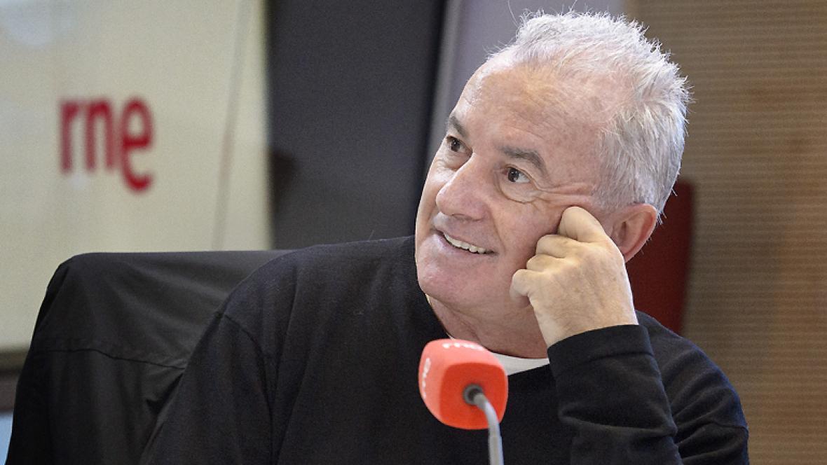 Las mañanas de RNE - Víctor Manuel celebra sus 50 años de carrera con un disco en directo - Escuchar ahora