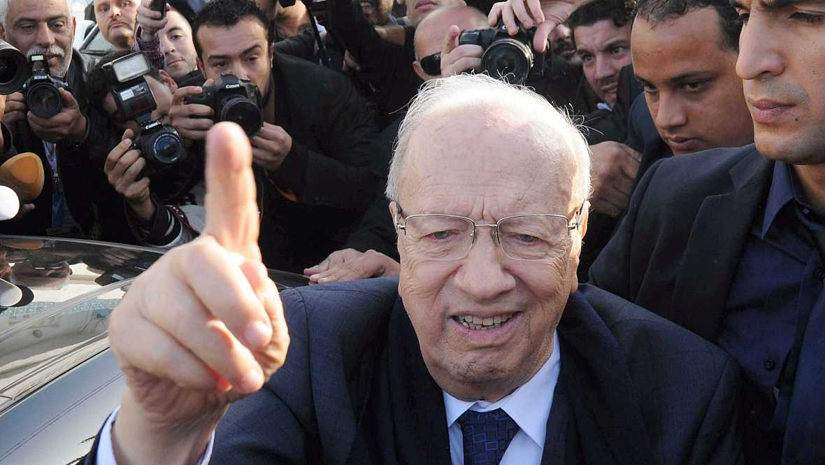 Radio 5 Actualidad - La encrucijada electoral de Túnez - 24/11/14 - Escuchar ahora