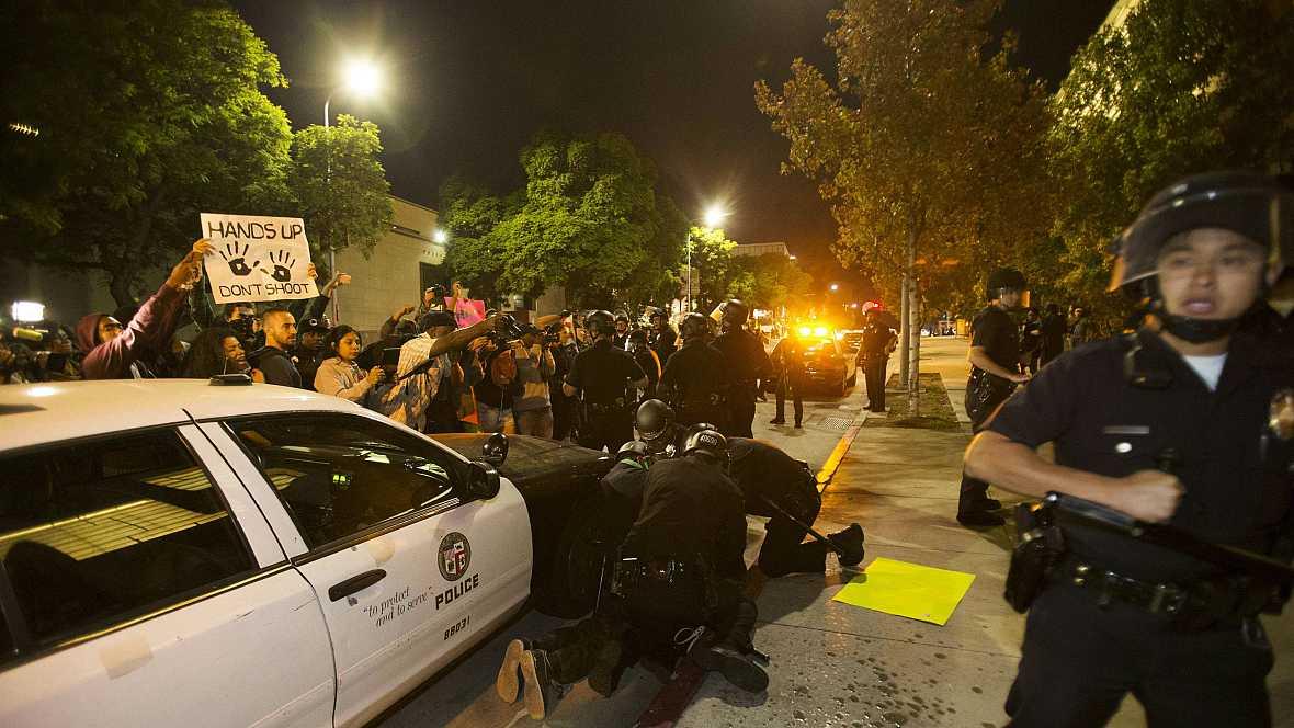 Boletines RNE - Prosigue la violencia en Ferguson, Estados Unidos  - 26/11/14 - Escuchar ahora