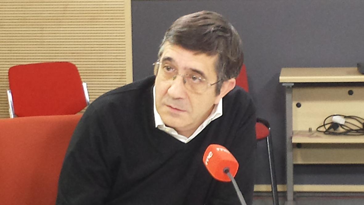 """Las mañanas de RNE - Patxi López ve """"terrible"""" que Artur Mas haya """"abandonado a la mayoría"""" - Escuchar ahora"""