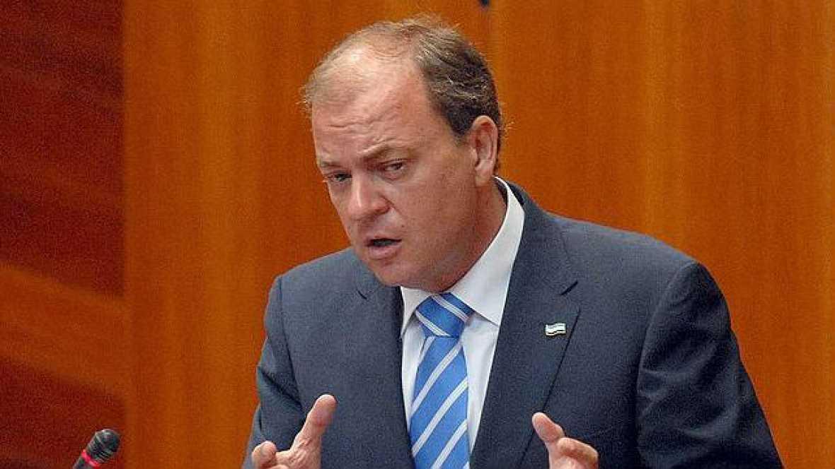 Boletines RNE - Monago defiende su honradez en el Parlamento extremeño - 27/11/14 - Escuchar ahora
