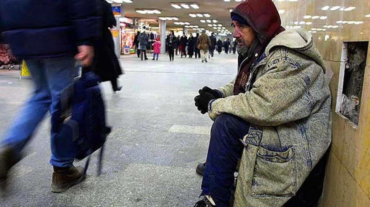 Entre paréntesis - 30.000 personas sin hogar en España - Escuchar ahora