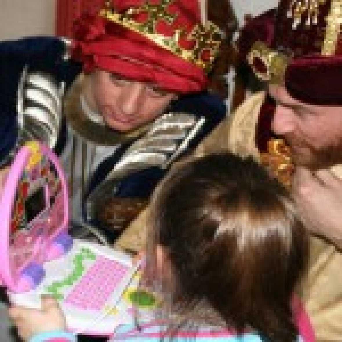Esto me suena. Las tardes del Ciudadano García - 5.800 regalos para niños y ancianos gracias a los Reyes Magos de Verdad - Escuchar ahora