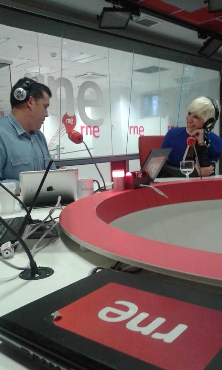 Las mañanas de RNE - Pasión Vega realiza un dico homenaje a Carlos Cano - Escuchar ahora