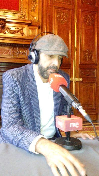 Las mañanas de RNE - Juan Luis Guerra integra nuevos instrumentos en 'Todo tiene su hora' - Escuchar ahora