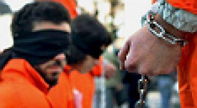 Entre paréntesis - Las torturas en Guantánamo empañan el Día de los Derechos Humanos - Escuchar ahora