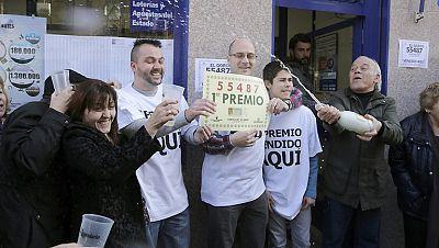 Diario de las 2 - El primer premio del Niño cae íntegro en Leganés - Escuchar ahora