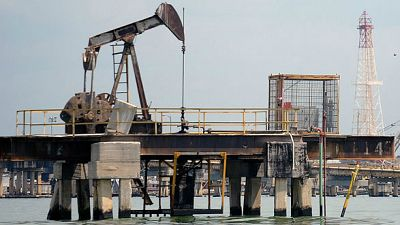 Entre paréntesis - El petróleo, en su valor más bajo desde 2009 - Escuchar ahora