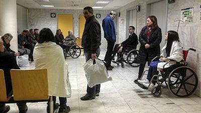 Entre paréntesis - La Defensora del Pueblo considera que las urgencias hospitalarias están saturadas - Escuchar ahora