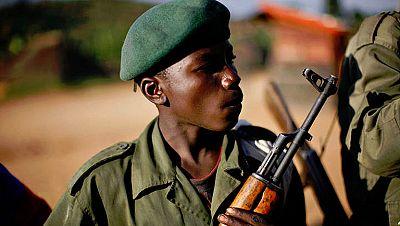 Entre paréntesis - Niños soldados - Escuchar ahora
