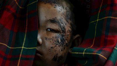 Entre paréntesis - El terremoto de Nepal se ensaña especialmente con los niños - Escuchar ahora