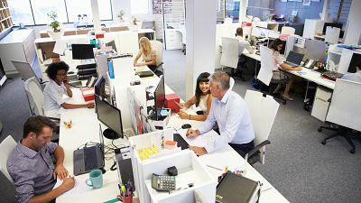 Diez minutos bien empleados - Luces y sombras del mercado de trabajo - Escuchar ahora