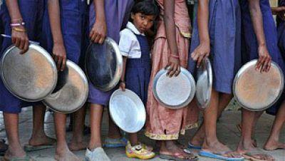 Entre paréntesis - Se reduce el número de personas que pasan hambre en el mundo - Escuchar ahora