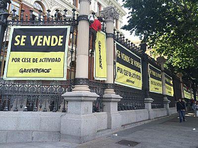 Radio 5 Actualidad - Protesta de Greenpeace ante el Ministerio de Agricultura - 05/06/15 - Escuchar ahora