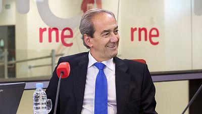 Las mañanas de RNE - González-Páramo admite que la banca ha reaccionado tarde al problema de los desahucios - Escuchar ahora