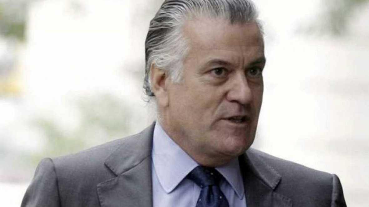 Boletines RNE - Bárcenas dice que el PP se financió ilegamente con Fraga, Aznar y Rajoy - 02/07/15 - Escuchar ahora