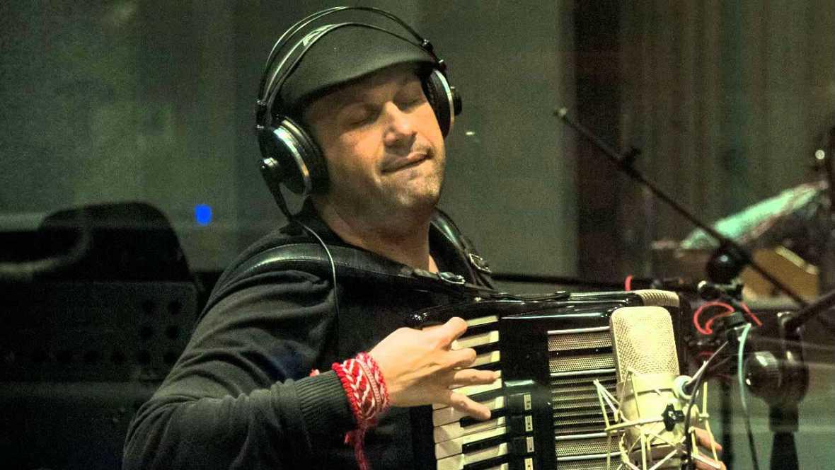 Rítmos étnicos - Martin Luvenov - 04/07/15 - Escuchar ahora