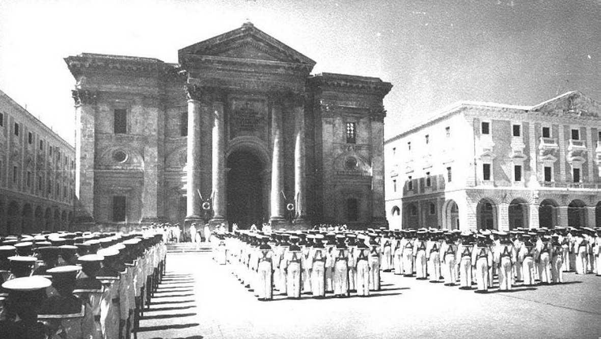 No es un día cualquiera - Panteón de Marinos Ilustres - Escuchar ahora