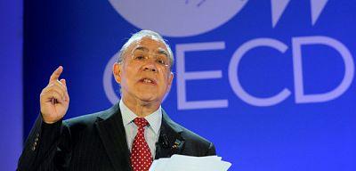 Ángel Gurría (OCDE) critica a los que dudan del tercer rescate a Grecia - Escuchar ahora
