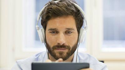 Radio 5 Actualidad - Aumenta un 11% la venta de música digital durante el primer semestre de 2015 - Escuchar ahora