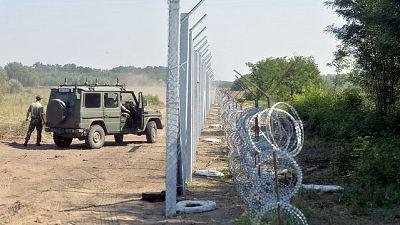 Diario de las 2 - Hungría, Austria y Bulgaria incrementan los controles para evitar la entrada de refugiados - Escuchar ahora