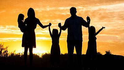 Esto me suena. Las tardes del Ciudadano García - El acogimiento familiar: qué es y cómo se organiza - Escuchar ahora