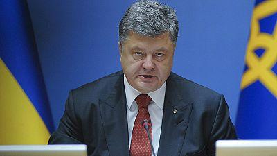 Boletines RNE - Poroshenko pide una operación internacional para impulsar la paz en Ucrania - Escuchar ahora