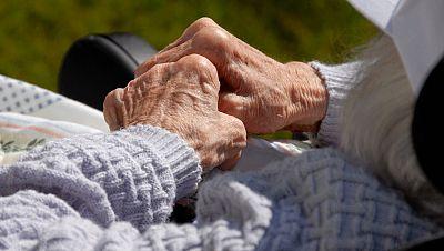 España vuelta y vuelta - Quién cuida al cuidador de los enfermos de Alzheimer - Escuchar ahora