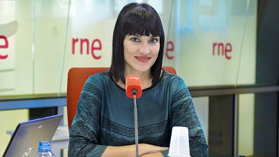 Las mañanas de RNE - 'Como el sol para las flores, la segunda novela de Irene Villa - Escuchar ahora