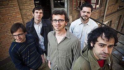 Catalunya Expr�s Magazine - Entrevista a Carles Carolina i el seu disc '�xode ultralocal'