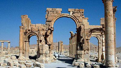 Radio 5 Actualidad - El autodenominado Estado Islámico destruye el Arco del Triunfo de Palmira - Escuchar ahora