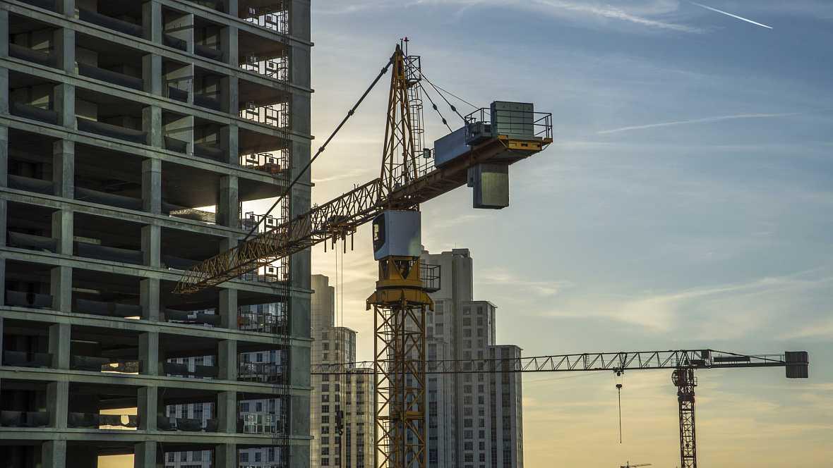 A hombros de gigantes - El mundo de la construcción: Mucho más que ladrillo y cemento - 12/10/15 - Escuchar ahora