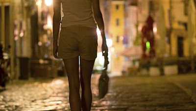 Diez minutos bien empleados - Prostitución: ¿trabajadoras o esclavas? - 12/10/15 - Escuchar ahora