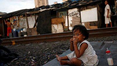 Entre paréntesis - La FAO defiende de los programas de protección social para reducir la pobreza - Escuchar ahora