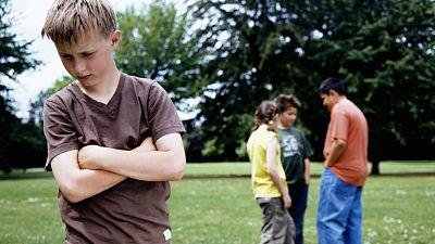 Entre paréntesis - La primera guía para prevenir situaciones de acoso homofóbico en centros escolares - Escuchar ahora