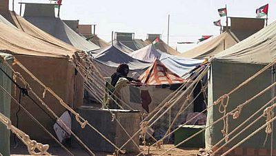 Entre paréntesis - Las fuertes lluvias complican la situación en los campamentos saharauis - Escuchar ahora
