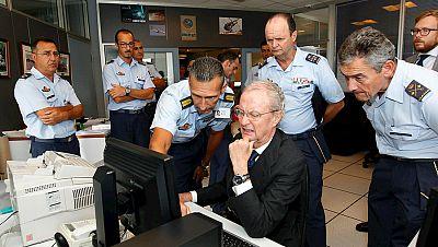 Diario de las 2 - Las Fuerzas Armandas intentan sacar a la superficie la cabina del helicóptero - Escuchar ahora