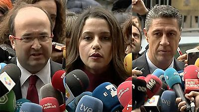 Boletines RNE - Ciudadanos, PSC y PP presentan varios recursos ante el Tribunal Constitucional para parar la moción independentista - Escuchar ahora