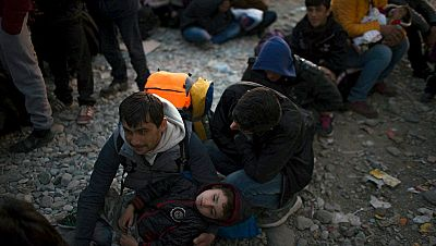 Radio 5 Actualidad - Alemania elabora una serie de medidas urgentes para afrontar el incesante flujo de refugiados - Escuchar ahora
