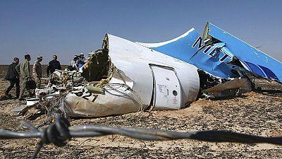 Boletines RNE - El Reino Unido cree que una bomba en la bodega provocó la tragedia del avión ruso - Escuchar ahora