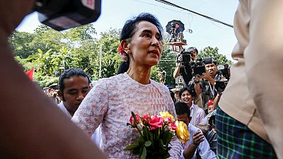 Radio 5 Actualidad - El partido de la Premio Nobel de la Paz Suu Kyi  gana en Birmania - Escuchar ahora