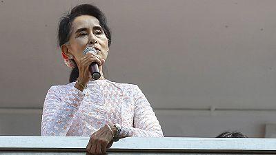 Radio 5 Actualidad - Aplastante victoria de la Liga Nacional por la Democracia de Suu Kyi en Birmania - Escuchar ahora